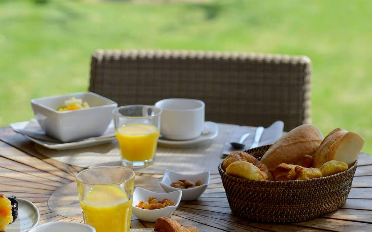 Petit déjeuner en Provence